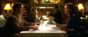 L'incident déclencheur se déroule en deux parties. D'abord, la scène du restaurant où la femme de Cal lui apprend qu'elle veut divorcer...