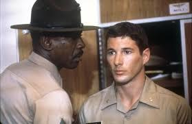 Le sergent instructeur Foley sera un guide pour Zack.